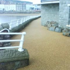 Resin bound pavements bonded gravel screeds Newcastle