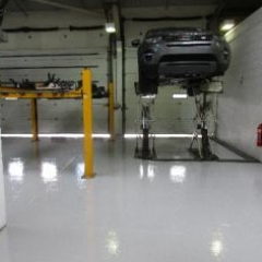 Epoxy flooring Newcastle Upon Tyne Land Rover garage