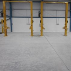 Concrete surface prepared by dust free diamond grinding