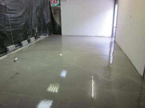 Flowable industrial floors screeds Newcastle Upon Tyne
